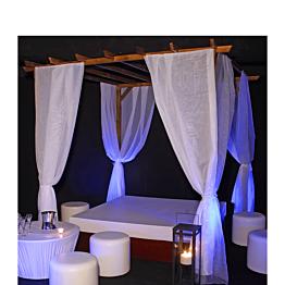 Ibiza Lounge - Matratze 200x200 cm & Pergola mit Gardinenschleife